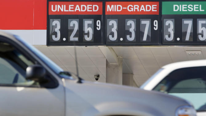 Gasoline prices soon to hit low point for 2012