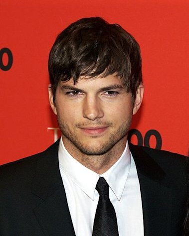 Did you  know Ashton Kutcher can sing -- kind of?