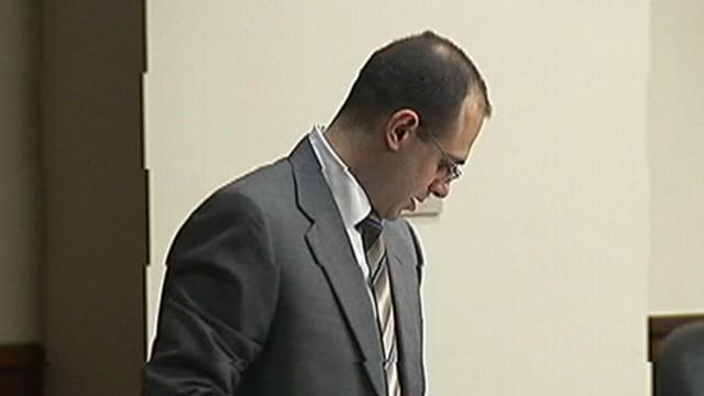 Murder Suspect Acting as His Own Attorney Calls First Witness