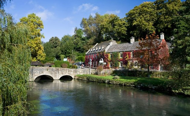 Bibury, England (Photo: Travel Pictures Ltd / SuperStock)