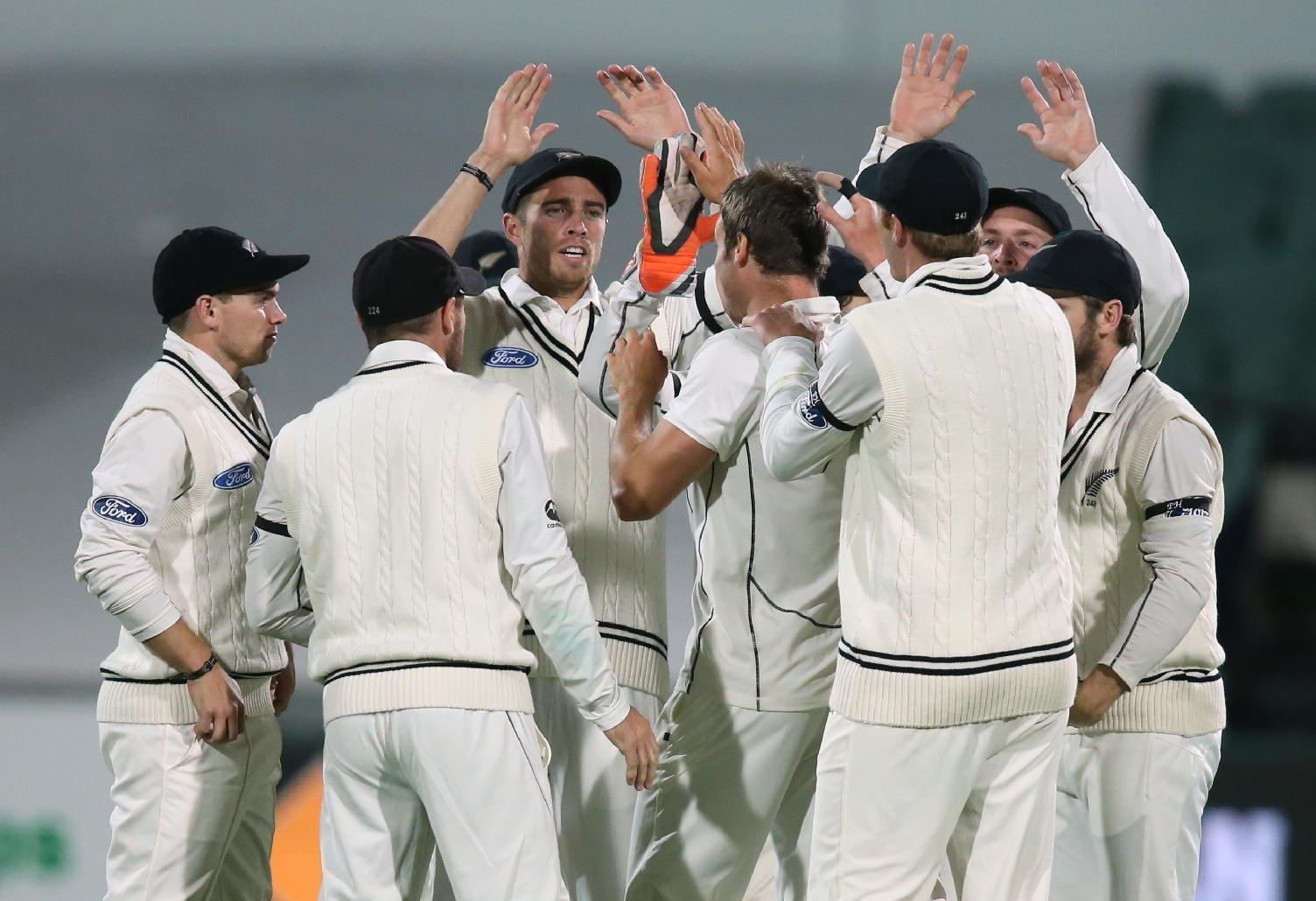 12 wickets fall on 1st day of 1st day-night cricket test