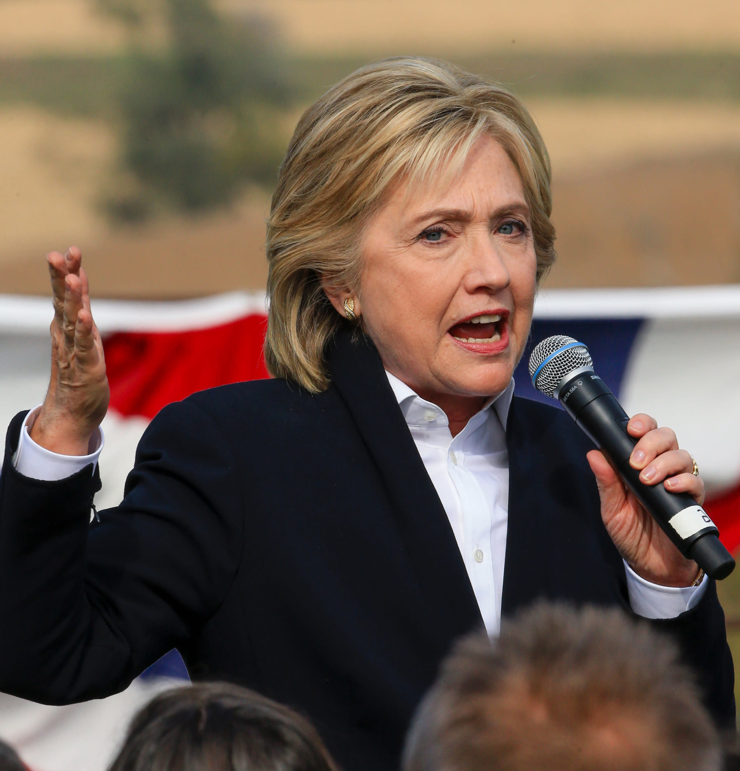 Clinton breaks away from Obama, opposes Pacific trade deal