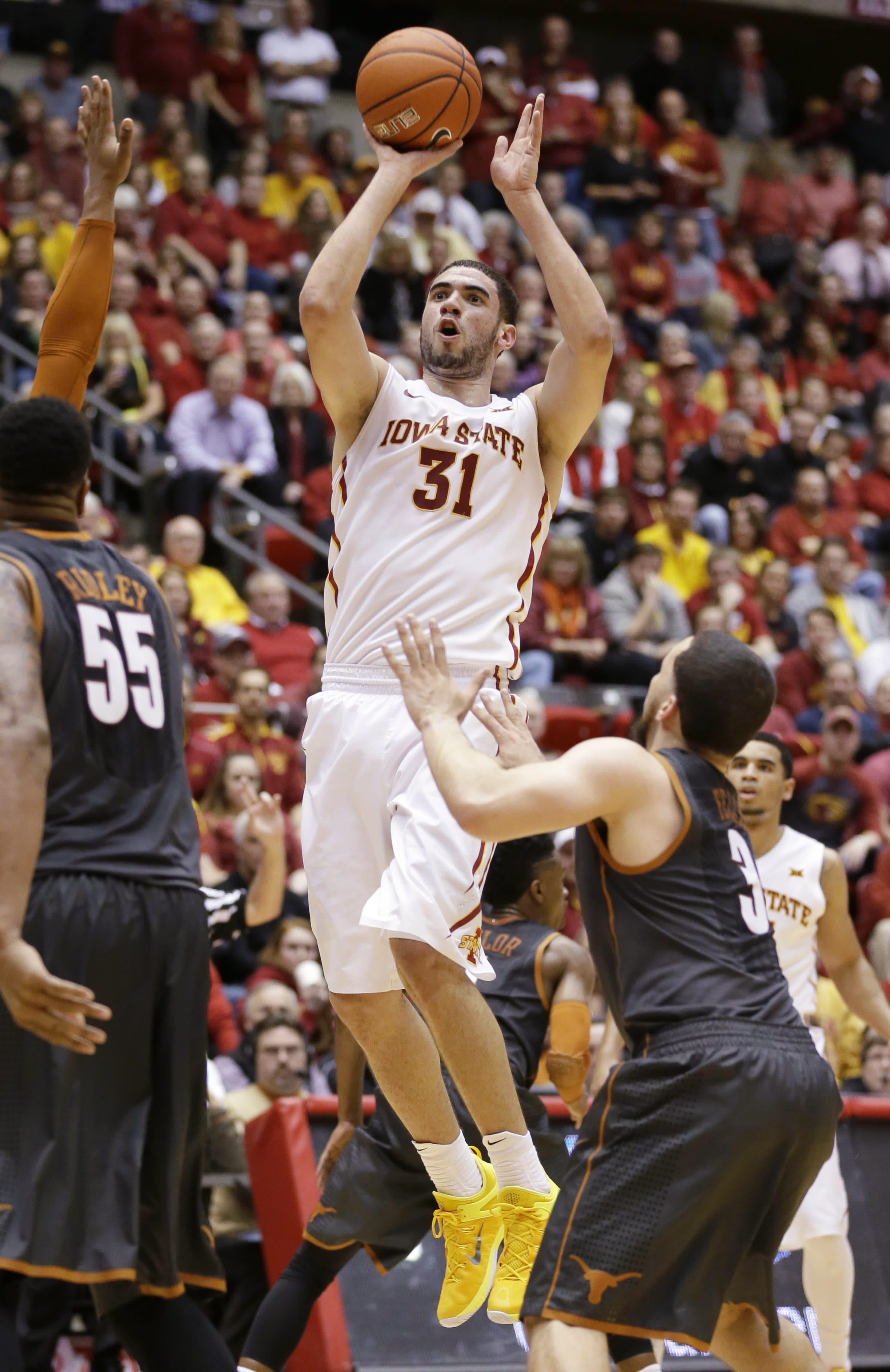 No. 15 Iowa State holds off No. 19 Texas 89-86