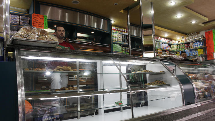 Lack of flour hurting Venezuela bakeries