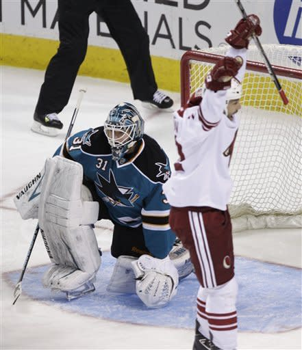 Sharks beat Coyotes 4-3 in shootout