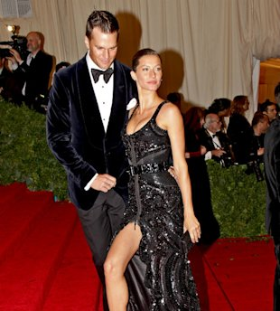 Supermodel Gisele Bundchen Gives Birth To A Baby Girl