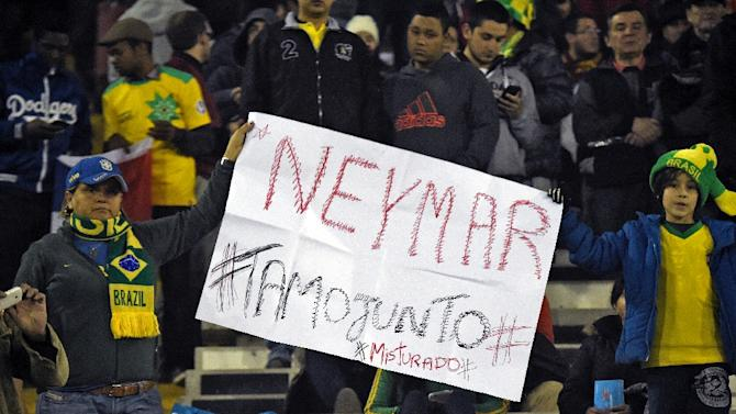 Supporters of Brazil hold a sign showing their support to Neymar during the 2015 Copa America in Santiago, on June 21, 2015