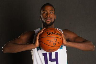 Michael Kidd-Gilchrist suffers dislocated shoulder in Hornets' 1st preseason game
