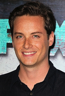Jesse Lee Soffer Toplines NBC's 'Hatfields & McCoys', French Stewart Joins CBS' 'Mom'