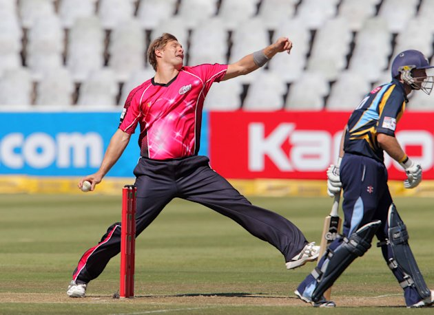 CLT20 2012 Match 6 - Sydney Sixers v Yorkshire Carnegie