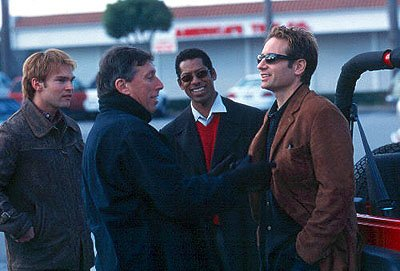 Seann William Scott , Ivan Reitman , Orlando Jones and David Duchovny on the set of Dreamworks' Evolution