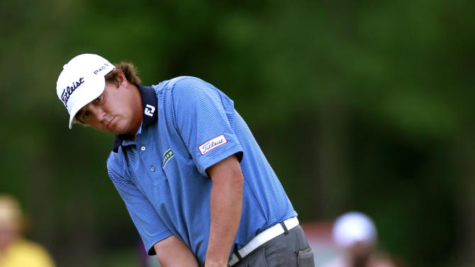 Jason Dufner putts on the ninth hole during the final round of the Zurich Classic golf tournament at TPC Louisiana in Avondale, La., Sunday, April 29, 2012. (AP Photo/Gerald Herbert)