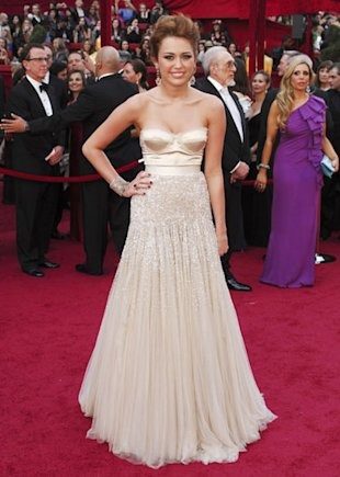 Miley Cyrus Jenny Packham Oscar Awards.jpg