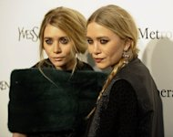 Ashely (L) and Mary-Kate Olsen
