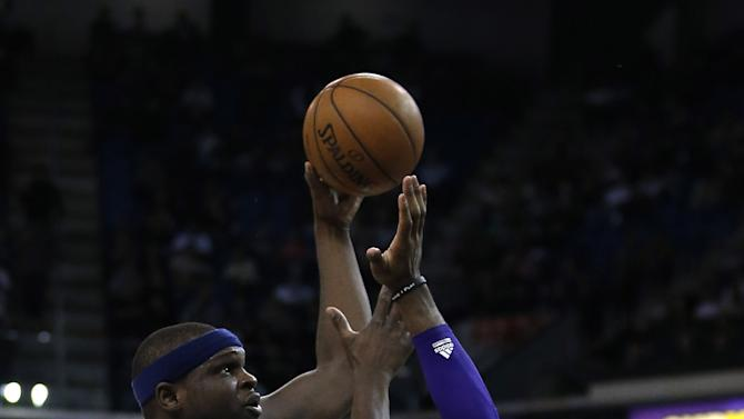 Kings grind out 102-90 win over Grizzlies in Sacramento