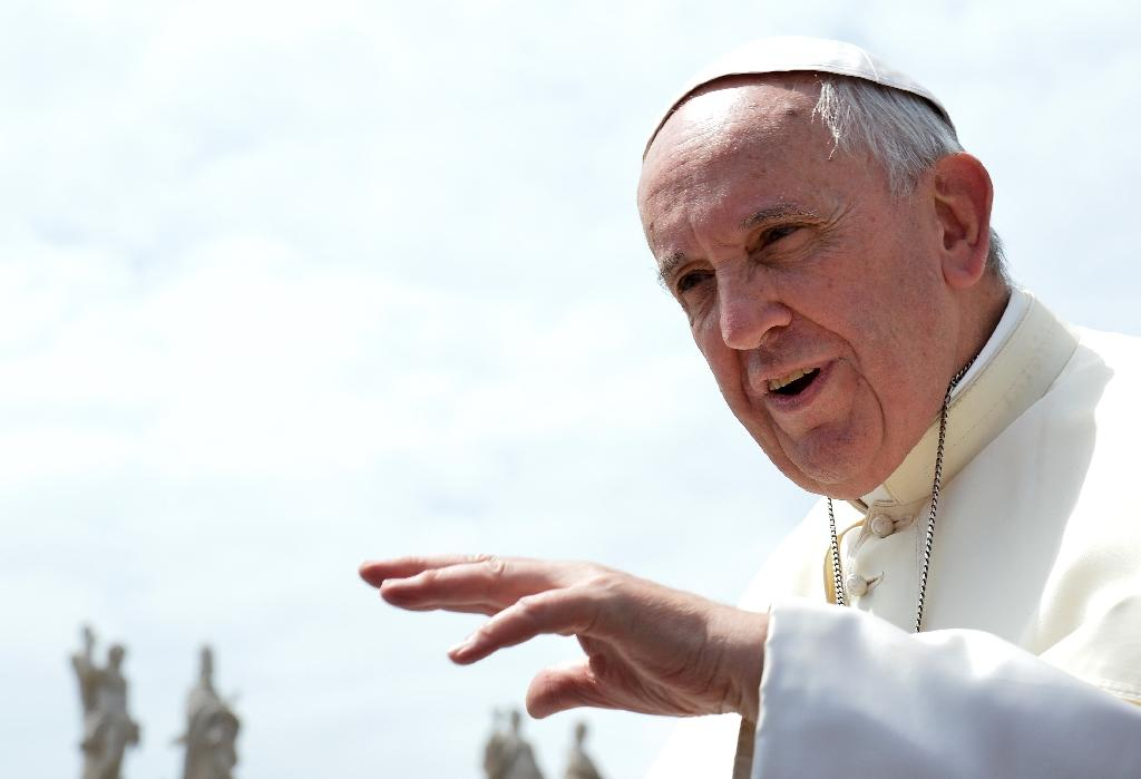 Pope Francis expected to visit Auschwitz in 2016