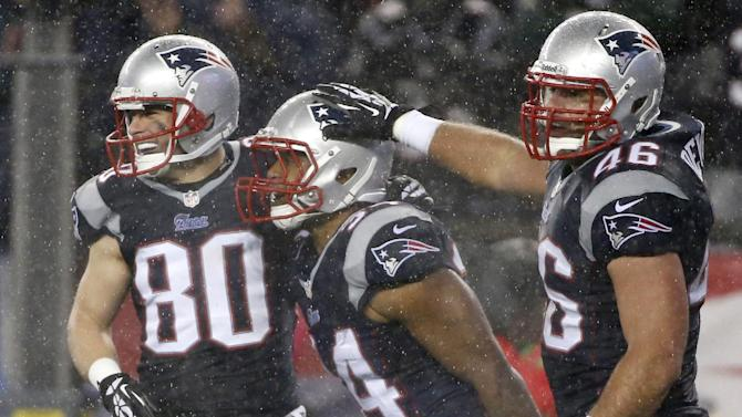 Patriot tough: Grit carries New England to bye
