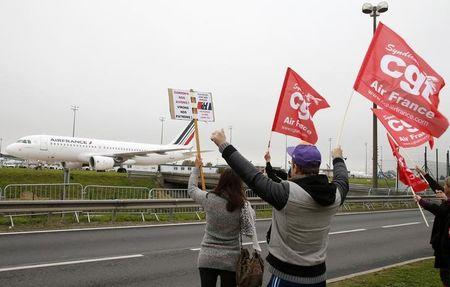 Could Air France shrink like Alitalia?