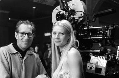 Director/producer Bruce Paltrow and Gwyneth Paltrow on the set of Hollywood Pictures' Duets