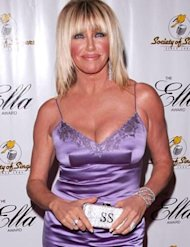 Suzanne Somers on red carpet