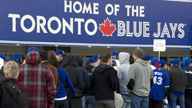 Blue Jays fans swarm to season opener expecting big things