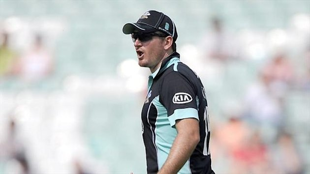 Graeme Smith is to return to South Africa for surgery