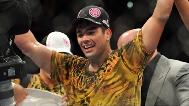 Mixed Martial Arts - Machida hoping drop in weight class rejuvenates career