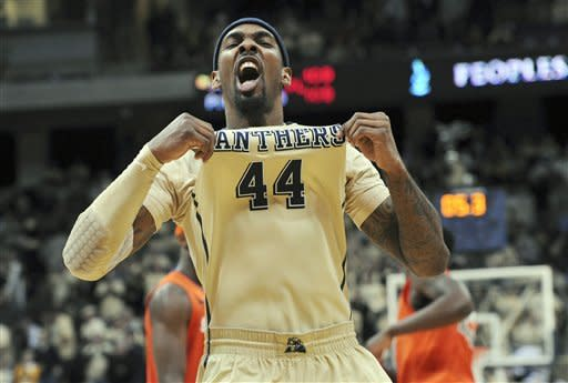 Balanced Panthers knock off No. 6 Syracuse, 65-55