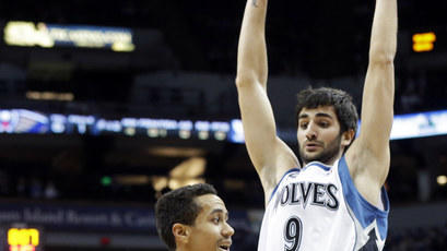 Love carries Wolves past Pelicans, 88-77