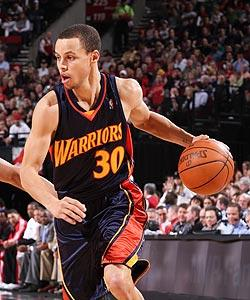 Curry sees brighter future with Warriors