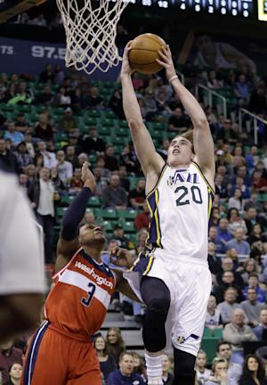 Kanter, Hayward lead Jazz over Wizards 104-101