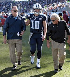 Titans QB Locker out for season with injured foot