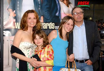 Premiere: Director Howard Deutch, his wife Lea Thompson and family at the world premiere of Warner Brothers' The Whole Ten Yards - 4/7/2004