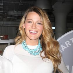 Pregnant Blake Lively Wears An Apron In The Kitchen With 'Top Chef' Winner