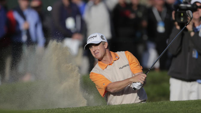 David Toms hits from a bunker on the 17th hole during the second round of the U.S. Open Championship golf tournament Friday, June 15, 2012, at The Olympic Club in San Francisco. (AP Photo/Eric Gay)