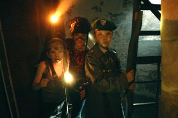 Bill Milner , Jules Sitruk and Will Poulter in Paramount Vantage's Son of Rambow