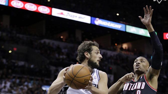 Parker's 33 leads Spurs to 116-92 Game 1 win