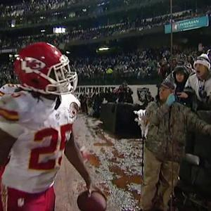 Kansas City Chiefs quarterback Alex Smith to running back Jamaal Charles for a 30-yard touchdown