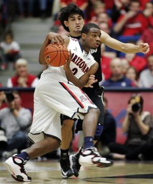 No. 3 Arizona rallies to win in OT, stays unbeaten