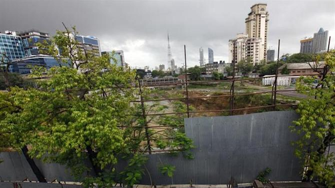 A general overview shows construction site of a DLF commercial complex in Mumbai July 3, 2012. REUTERS/Danish Siddiqui/Files