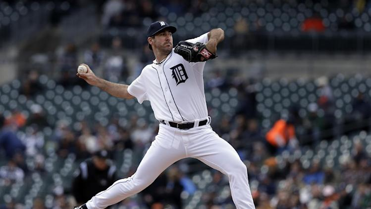 Detroit Tigers pitcher Justin Verlander throws against the Kansas City Royals in the first inning of a baseball game in Detroit, Thursday April 25, 2013. (AP Photo/Paul Sancya)