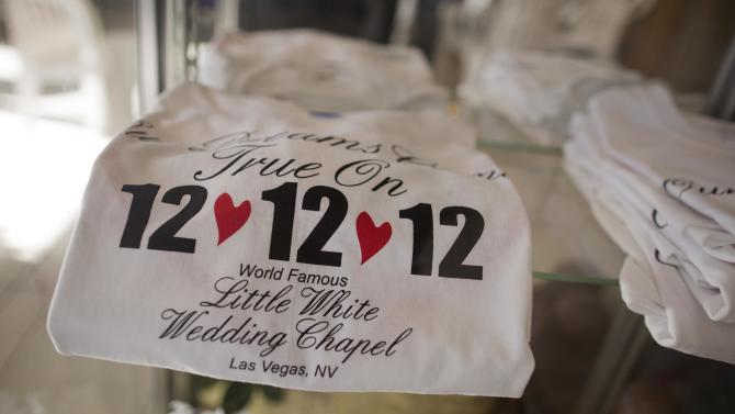 Gimmicky date a boost for lovelorn Las Vegas