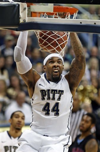 Pitt wins 7th straight, drops Delaware State 71-43