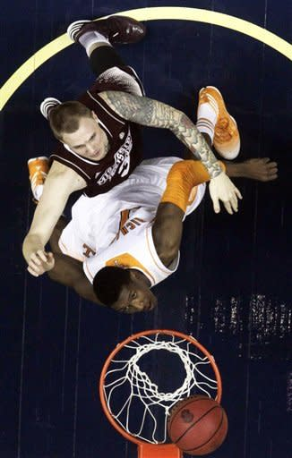 Tennessee knocks out Mississippi State 69-53