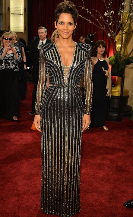 Oscars 2013: Halle Berry red carpet dress