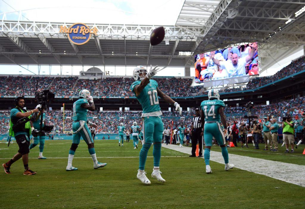 The pro's and con's of the Miami Dolphins re-signing Kenny Stills