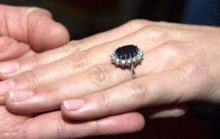 Kate Middleton was given Princess Diana's sapphire engagement ring. Photo by Getty Images.