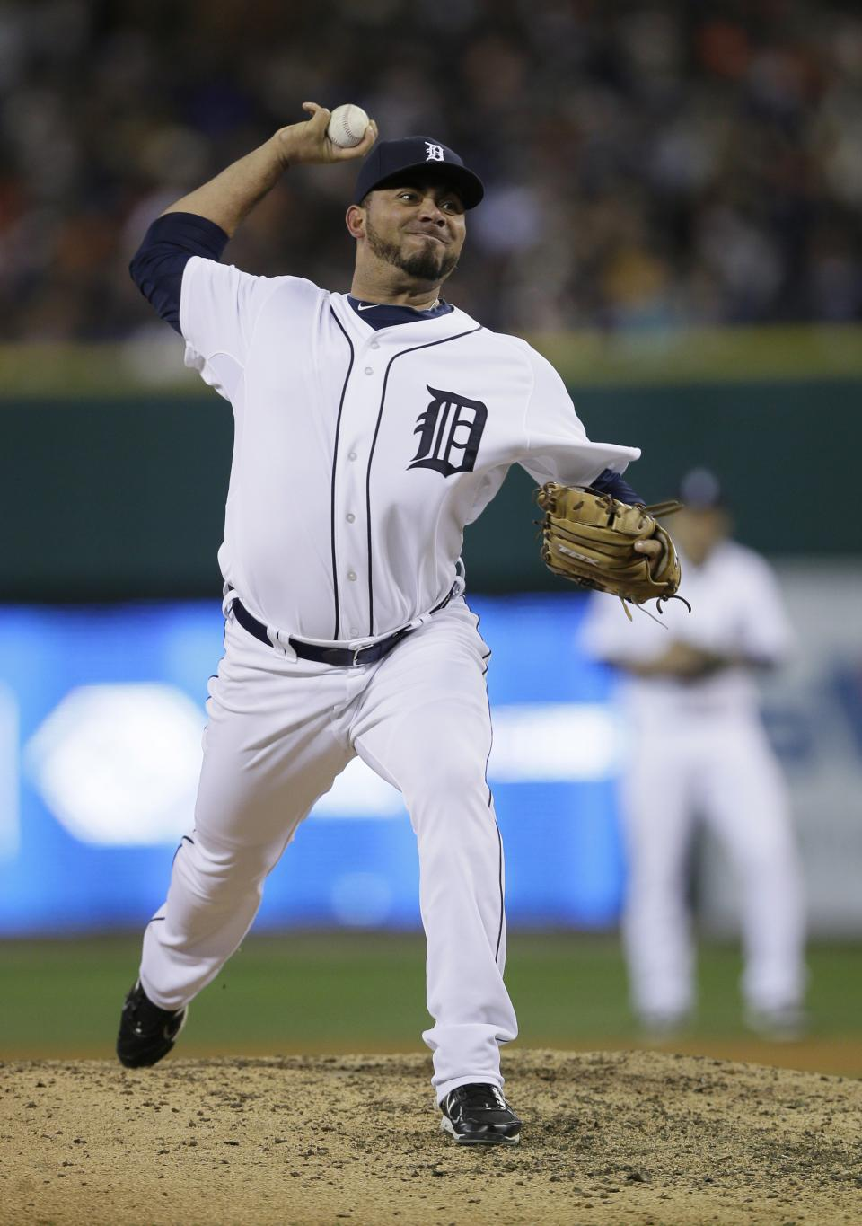 Detroit Tigers' Joaquin Benoit throws during the eighth inning of Game 3 of baseball's World Series against the San Francisco Giants Saturday, Oct. 27, 2012, in Detroit. (AP Photo/Matt Slocum)
