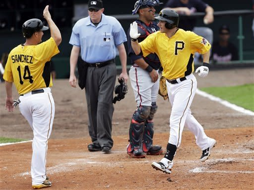 Clint Barmes homers, Pirates beat Braves 9-2