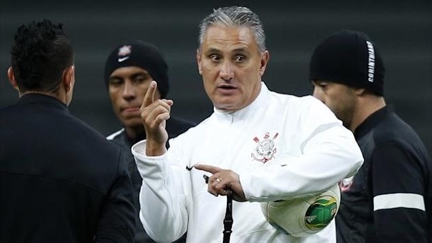 Brazil's Corinthians coach Adenor Bacchi (2nd R), also known as Tite